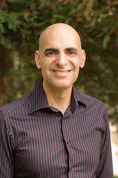 Atul Teckchandani, associate professor of management and Entrepreneur in Residence.