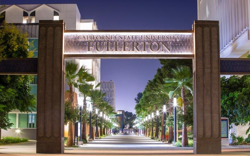 Evening view of the CSUF promenade.