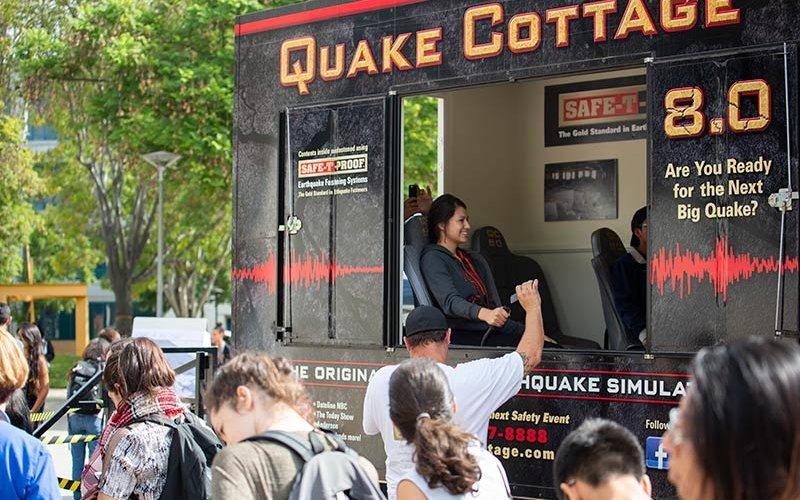 Earthquake simulator in quad.