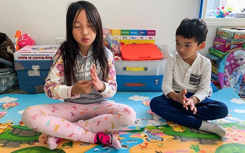 Children being mindful working.