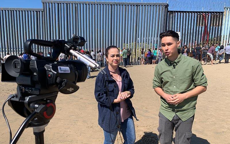 Al Día reporters at the US/Mexico border