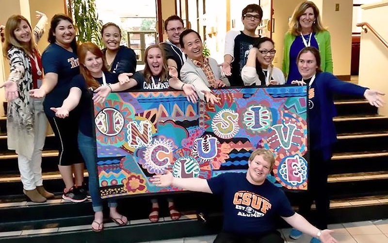 CSUF students attending art conference
