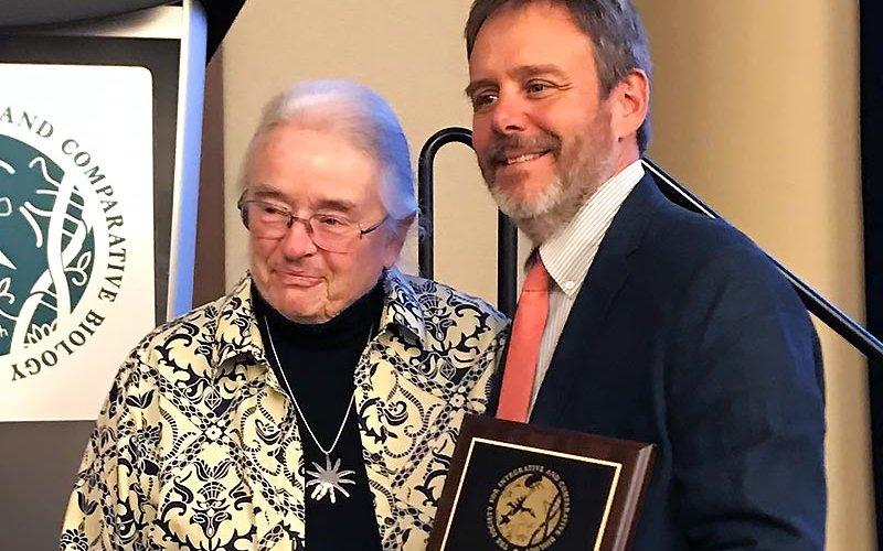 Bill Hoese receiving award.