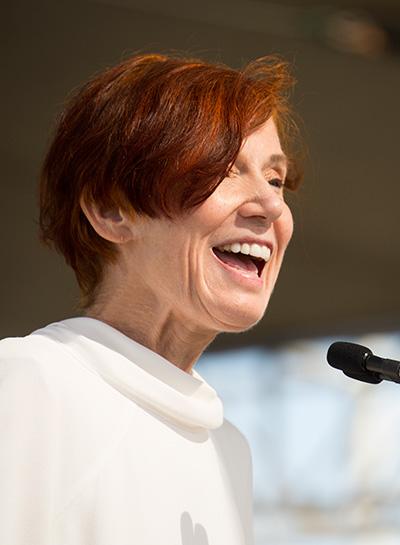 Linda Woolverton speaking