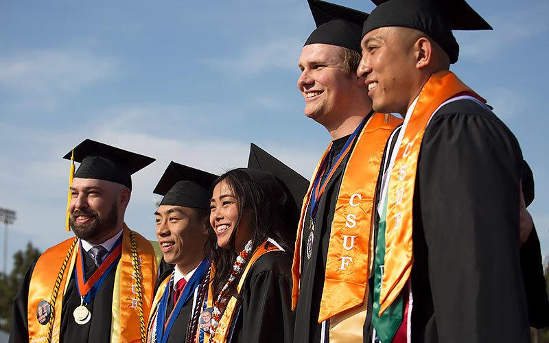 CSUF graduating students