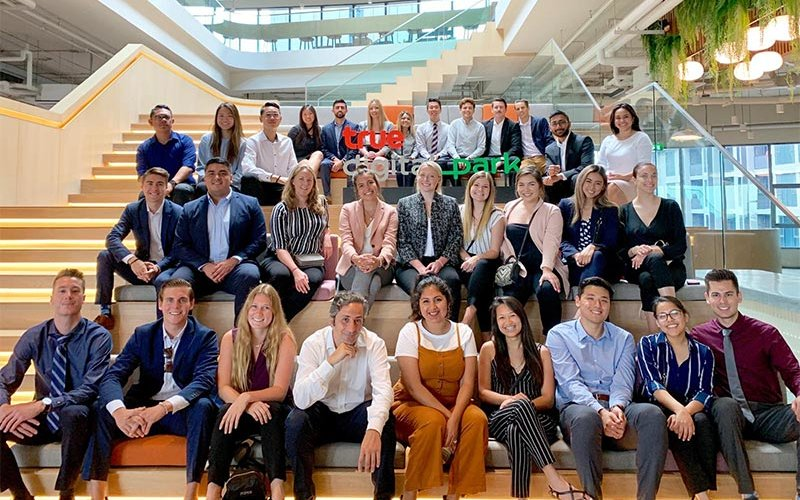 30 Mihaylo students that participated in Thailand and Singapore study abroad experience.