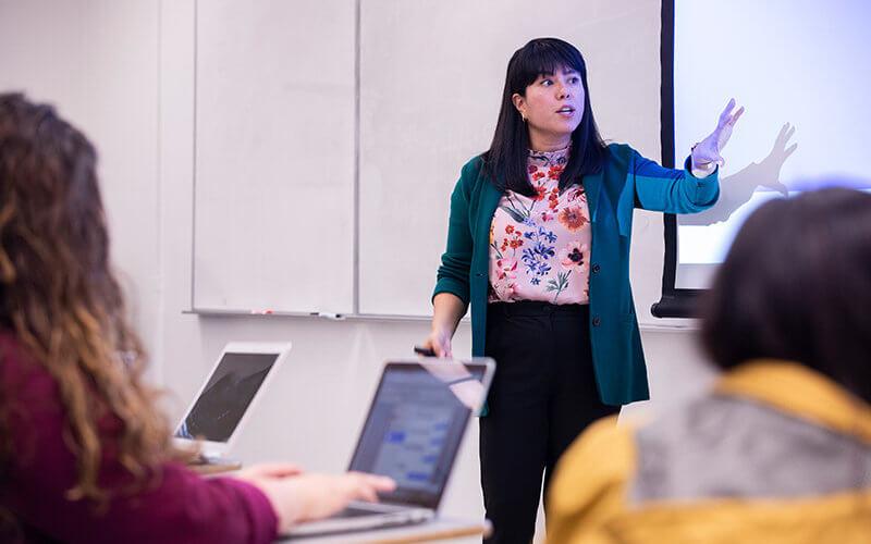 CSUF Professor Erica Lizano teaching