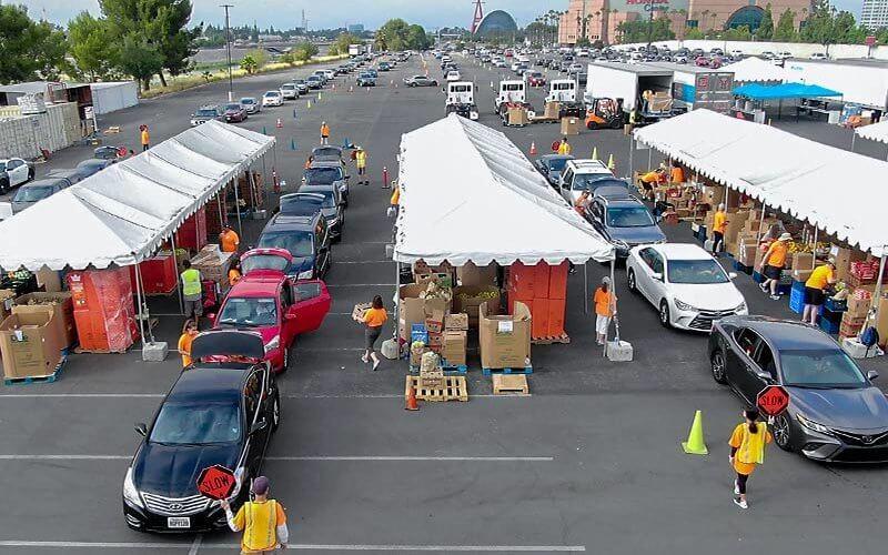 Food Bank Cars recieving food