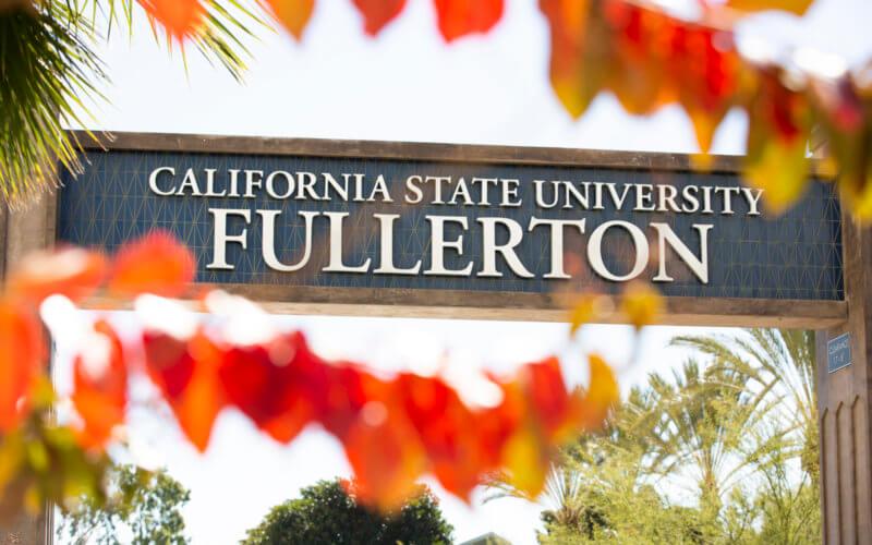 California State University, Fullerton promenade gateway
