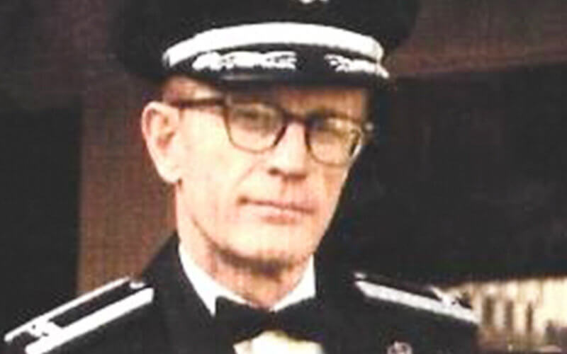 Thomas E Mayer